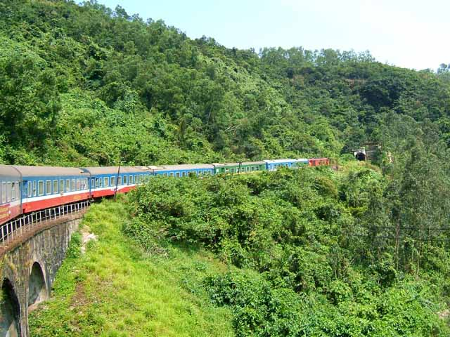 Things To Know When Traveling By Train In Vietnam - Vietnam Railway System