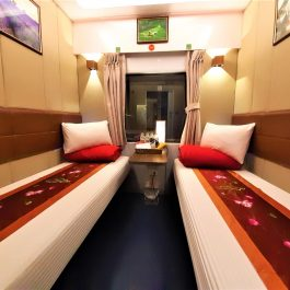 lotus-express-train-vip-cabin-2-beds-02